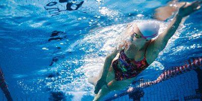 Bơi có giúp giảm cân không?