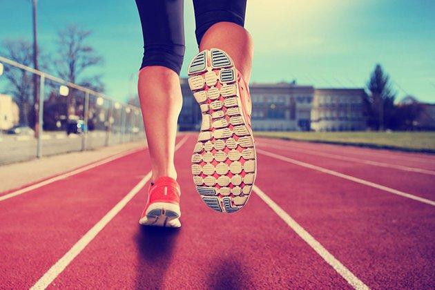 Chuẩn bị giày đi bộ