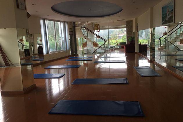 CLB Yoga Quỳnh Nga