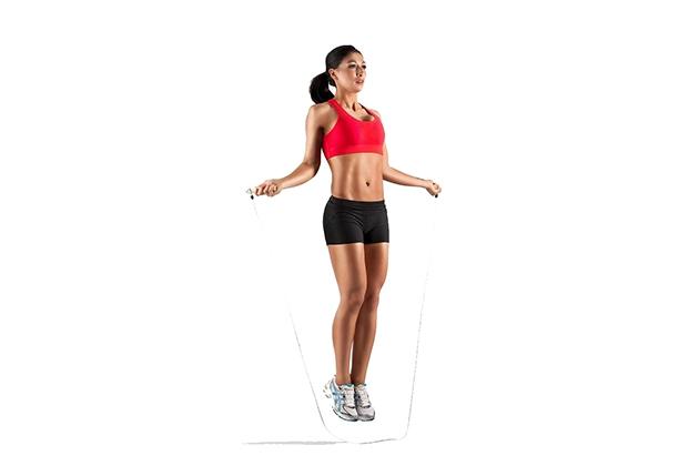 Nhảy dây giúp giảm mỡ bắp chân