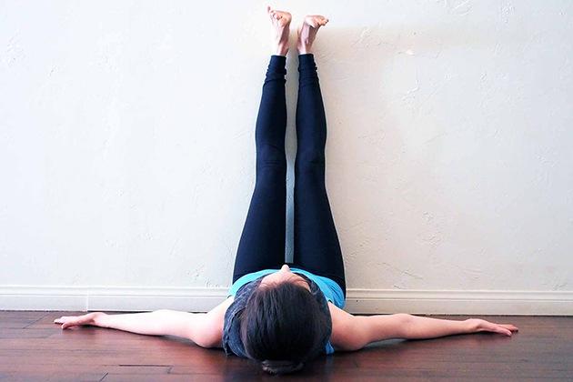 Tư thế Yoga Legs Up The Wall