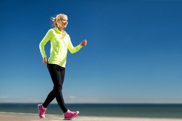 Cách đi bộ giúp chân thon