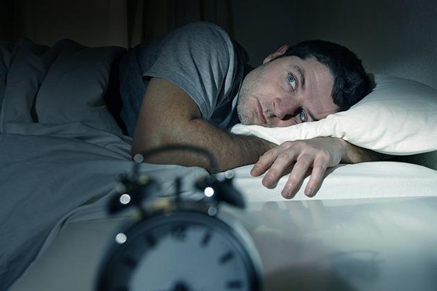 Ngủ muộn gây béo phì