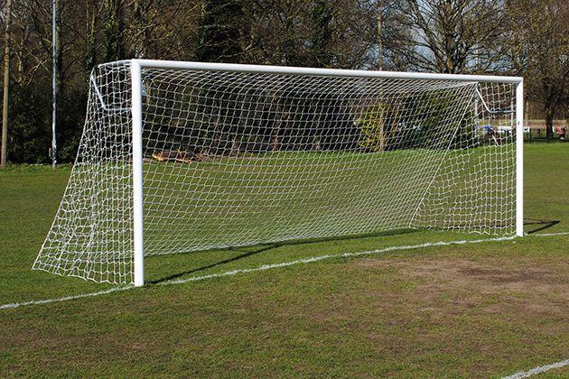 Kích thước khung thành bóng đá 11 người