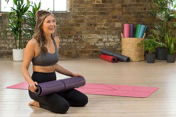 Chọn địa chỉ uy tín để mua thảm yoga chất lượng