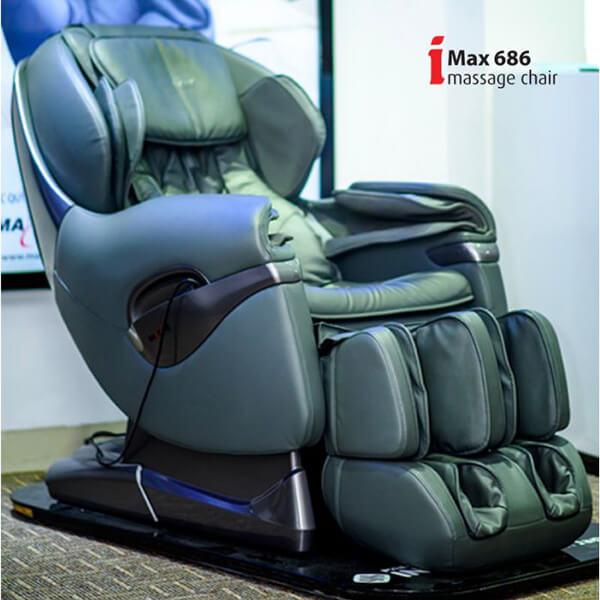 Ghế massage toàn thân Maxcare MAX686Plus có kiểu dáng khá đồ sộ