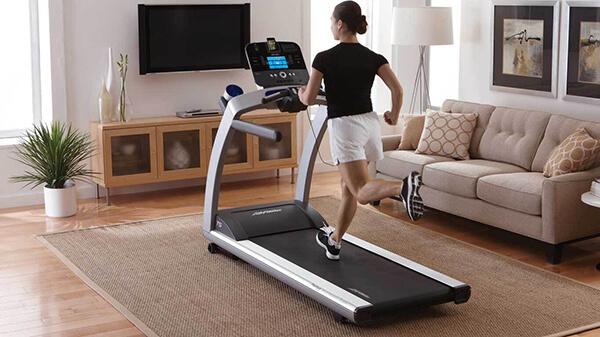 Máy chạy bộ được sử dụng rộng rãi trong hộ gia đình.