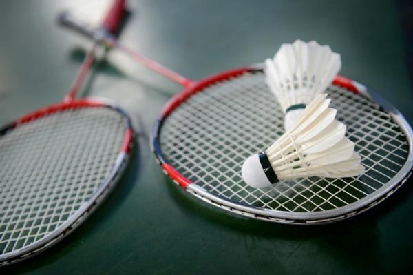 Cách chọn mua vợt cầu lông Yonex