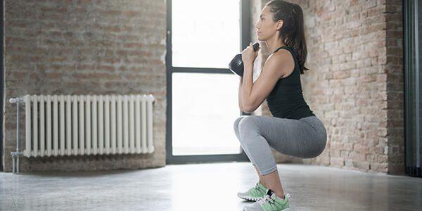 Squat làm săn chắc cơ mông, đùi hiệu quả