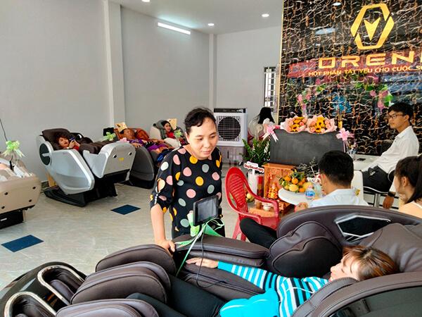 Oreni là thương hiệu phân phối ghế massage toàn thân hàng đầu