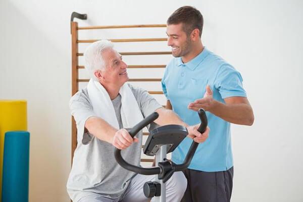 Nên tham khảo ý kiến bác sĩ khi mua xe đạp tập phục hồi chức năng