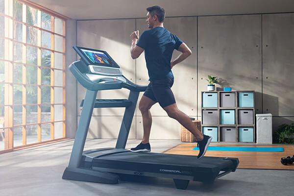 Chọn mua máy chạy bộ đơn năng phù hợp với nhu cầu tập luyện