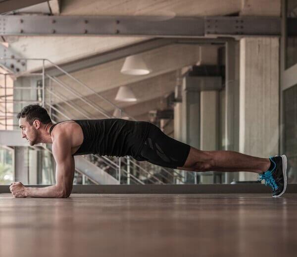 Plank tập bụng