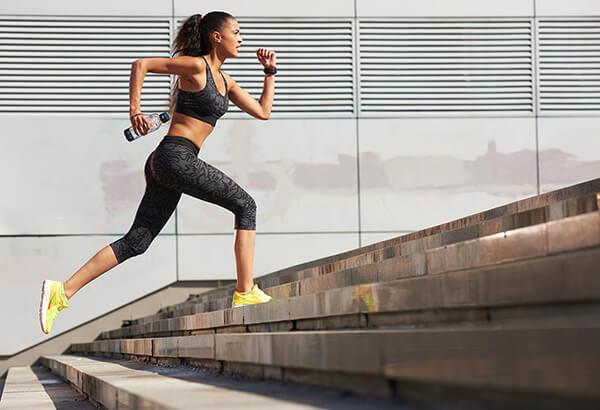 Leo cầu thang đúng cách giúp giảm cân nhanh chóng